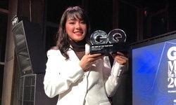 """สมศักดิ์ศรีทีนไอดอล """"เฌอปราง BNK48"""" รับรางวัลผู้หญิงแห่งปี จาก GQ Thailand"""
