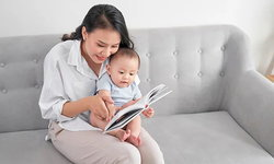 วิธีเลือกหนังสือสำหรับเด็ก พ่อแม่ควรเลือกแบบไหน ให้เหมาะกับพัฒนาการแต่ละช่วงวัย