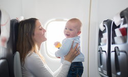 เคล็ด(ไม่)ลับ พาลูกขึ้นเครื่องบิน ให้ราบรื่นตลอดไฟลท์