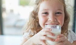 ดื่มนมกันเถอะ ประโยชน์ของ นมวัว ต่อสุขภาพของเด็กๆ