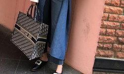 ล้านฝีเข็ม! กว่าจะเป็นกระเป๋า Dior Book Tote สุดฮอตต้องเย็บปักกันละเอียดยิบถึงเพียงนี้