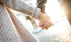 กระชับรักให้ยืนยาวมากขึ้น กับ 4 เรื่องที่คู่แต่งงานควรทำให้กัน
