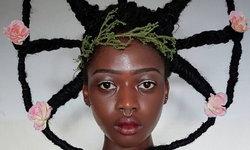 """ผมธรรมดาโลกไม่จำ สาวผิวสี """"LAETITIA KY"""" กับทรงผมสุดแปลกที่ไม่ใช่ใครก็ทำได้"""