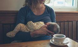 5 อาหารที่คุณแม่ควรงดกินในช่วงให้นมลูก