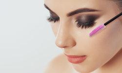 ขนตางอนเด้งง่ายๆ ด้วย 5 เทคนิคติดขนตาปลอมให้สวยเป๊ะแบบมืออาชีพ