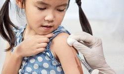 พ่อแม่เช็คด่วน อัปเดต ตารางวัคซีน 2563 วัคซีนเด็กมีอะไรบ้าง ต้องฉีดตอนไหน