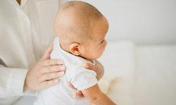 """ไขข้อสงสัย เมื่อลููก """"สะอึก"""" มีอะไรที่ควรรู้บ้าง"""