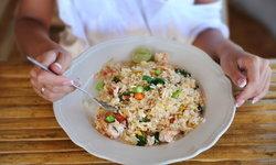 6 เคล็ดลับกินข้าวจานเดียวให้อิ่มง่าย อยู่ท้องนาน ไม่ต้องหิวบ่อย