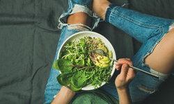 ประโยชน์ของ 5 ผักสลัดแคลอรีต่ำ กินได้แบบไม่ทำให้อ้วน