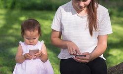 4 เหตุผลที่เด็กวัยต่ำกว่า 2 ขวบควรอยู่ห่างหน้าจอมือถือ