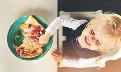 6 วิธีแก้ปัญหาลูกติดขนมขบเคี้ยว เรื่องสำคัญที่พ่อแม่ไม่ควรละเลย