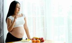 10 อาหารแม่ท้องไตรมาสแรก เสริมพัฒนาการลูกน้อยในครรภ์ได้เยี่ยม