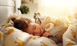 จัดห้องนอนให้ลูกน้อยอย่างไรให้ปลอดภัยและหลับดีมีสุข
