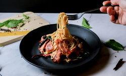 วิธีทำสปาเกตตีเบคอนพริกแห้ง อร่อยสไตล์ยุโรปแบบง่ายๆ ที่บ้าน
