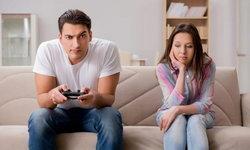 """พอว่างก็เล่นแต่เกม จัดการ """"แฟนติดเกม"""" อย่างไรดี?"""