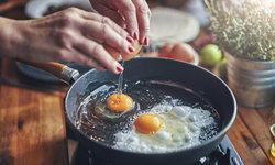 วิธีทำไข่ดาวสามรส เมนูอร่อย เอาใจคนชอบกินไข่ที่อยากได้โปรตีนเต็มคำ