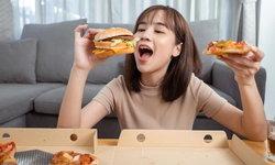 7 พฤติกรรมการกิน ส่งผลให้น้ำหนักตัวผู้หญิงพุ่งเร็วเกินคาด!