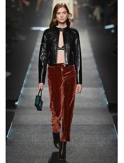 แฟชั่นโชว์สุดหรู Louis Vuitton 2015