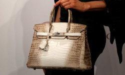 Hermès Birkin ฝังเพชร…ทำราคาทุบสถิติโลกในงานประมูลที่ฮ่องกง