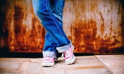 4 วิธีทำให้รองเท้าผ้าใบเหมือนใหม่อยู่เสมอ