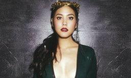 Janie Tienphosuwan Wallpaper : Dancing In The Rain