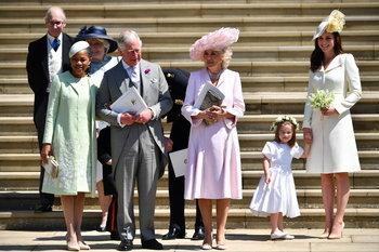 แฟชั่นหมวกของแขกในงานพิธีเสกสมรส