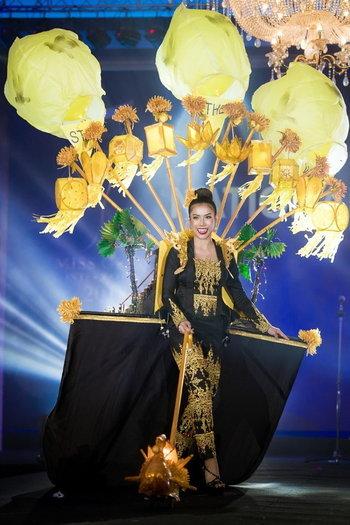 Miss Grand Myanmar( เมียนมาร์ -ด้านหน้า)