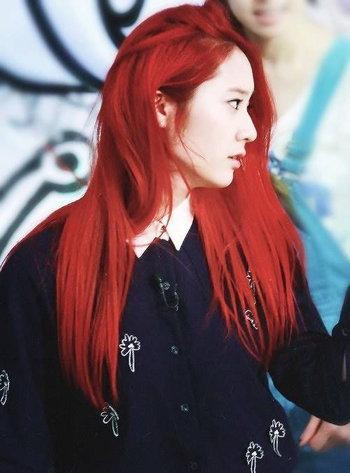 Red Hair รวมไอเดียผมสีแดงสุดแซ่บ ไม่ทำไม่ได้แล้ว!