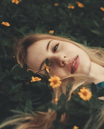 รวมไอเดียถ่ายรูปกับดงดอกไม้ให้ครีเอทสุดๆ