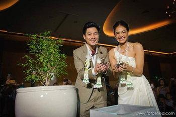 ชุดแต่งงาน นุ่น ศิรพันธ์
