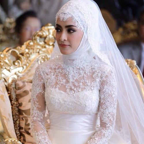 ชุดแต่งงาน พิงกี้ สาวิกา