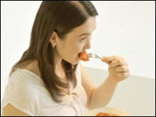อาหารชนิดใดที่ควรหลีกเลี่ยงในระหว่างตั้งครรภ์