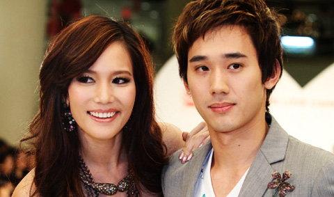 20 คู่รักสุดฮอตเมืองไทย ควงแขนเดินแฟชั่นรับวันวาเลนไทน์