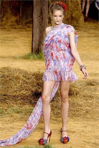 Chanel แฟชั่นโชว์ Spring Summer 2010