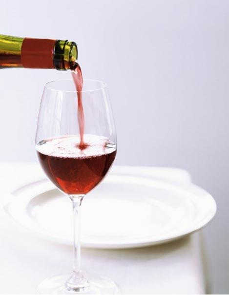 อย่าเทไวน์ที่กินไม่หมดทิ้งเสียล่ะ