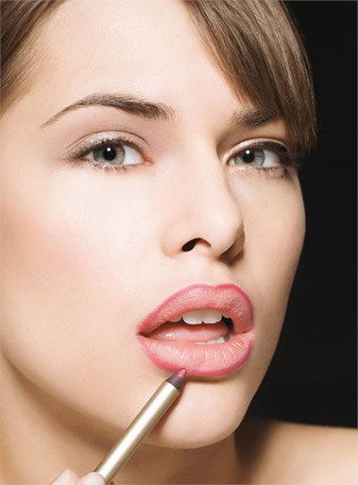 วิธีป้องกันไม่ให้เส้นขอบปากเป็นวงสีเข้ม