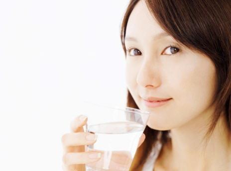 """น่ารู้เพื่อสุขภาพ """"ดื่มน้ำตอนไหนดีที่สุด"""""""
