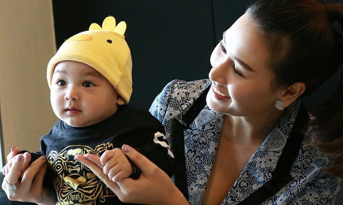 น้องลีออง ลูกชายคนเล็ก เสก โลโซ วัย 6 เดือน ฉายแววความหล่อแล้ว