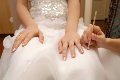 เรื่องเล็บของเจ้าสาวในวันแต่งงาน