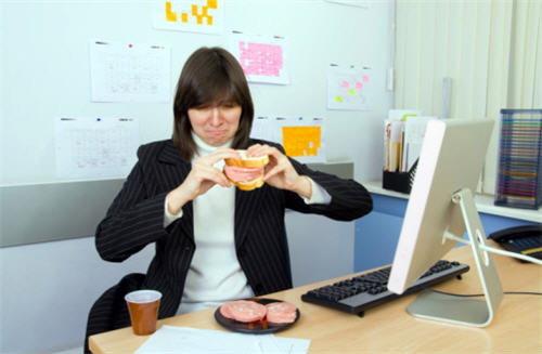 ที่ทำงานของคุณกำลังทำให้คุณอ้วนอยู่หรือเปล่า?