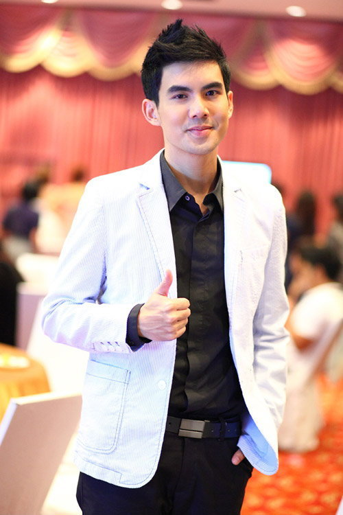 ดาราชาย เชียร์ ผู้หญิงเซ็กซี่ที่สุดแห่งปีของเมืองไทย 2011