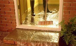 วิธีเคลียร์บ้านหลังน้ำท่วม