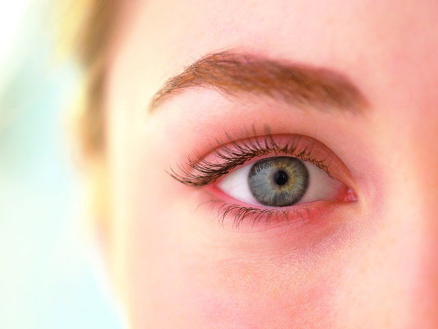 อายุยี่สิบกว่าๆ มีริ้วรอยรอบดวงตา ทำยังไงดี?