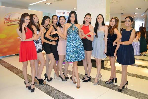 สาวสวยมหาวิทยาลัยดัง แห่สมัครชิงมิสไทยแลนด์เวิล์ด 2013