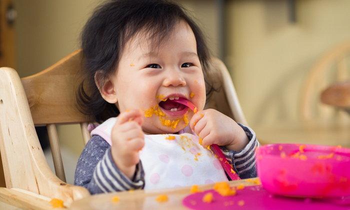 วิธีฝึกลูกกินข้าวเอง บ้านไหนลูกไม่ยอมกินข้าวต้องลอง!