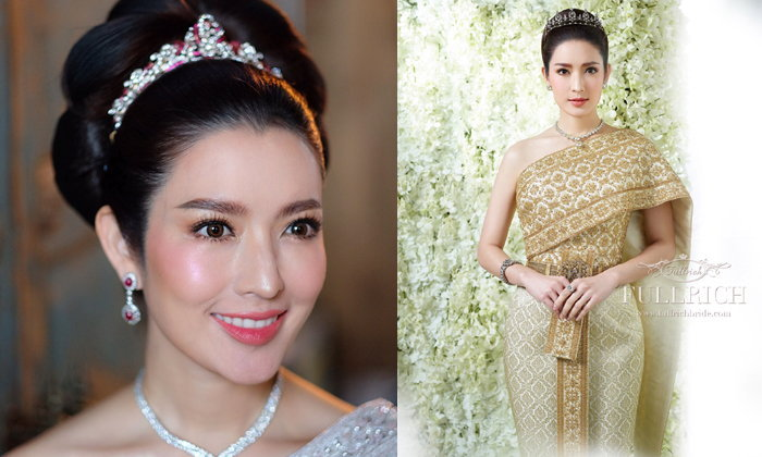 แอฟ ทักษอร งดงามดังภาพวาดในชุดไทยโบราณ พร้อมสร้อยเพชรเลอค่าหลายสิบล้าน