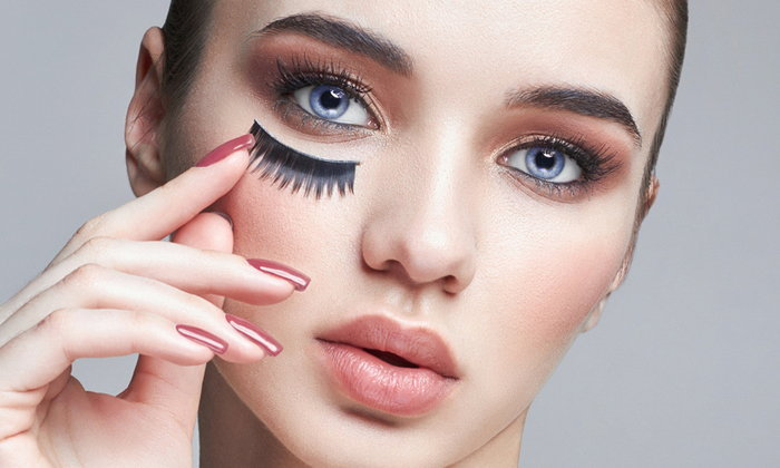แต่งเติมเสน่ห์ดวงตาง่ายๆ กับ 5 เทคนิคติดขนตาปลอมให้สวยเป๊ะดั่งใจ