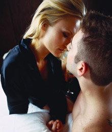 จุดจูบชวนสาวเพิ่มสยิว