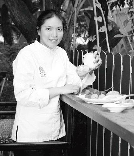 """ตีความอาหารไทยไปกับเชฟหญิงที่ดีที่สุดในเอเชีย""""ดวงพรทรงวิศวะ"""""""