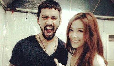 รักลงตัว!  นางเอกหน้าสวยแนท โชว์หวานเบาๆ กับนักร้องร็อค เจ๋ง